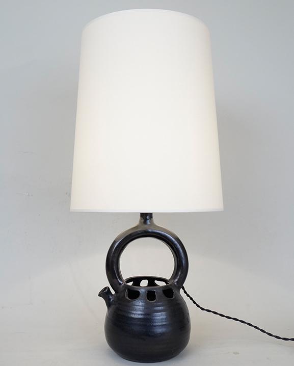 L 352 – Lampe noire   Haut : 58 cm / 22.8 in.