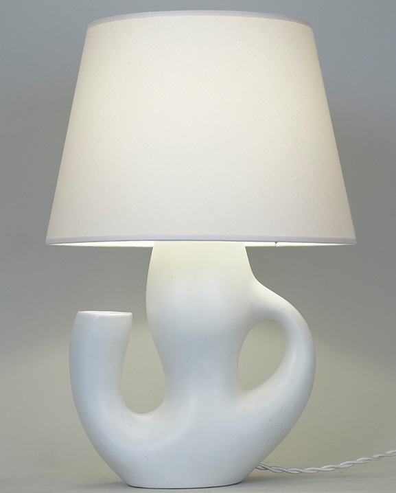 L 572 – Lampe blanche Haut : 38 cm / 15 in.