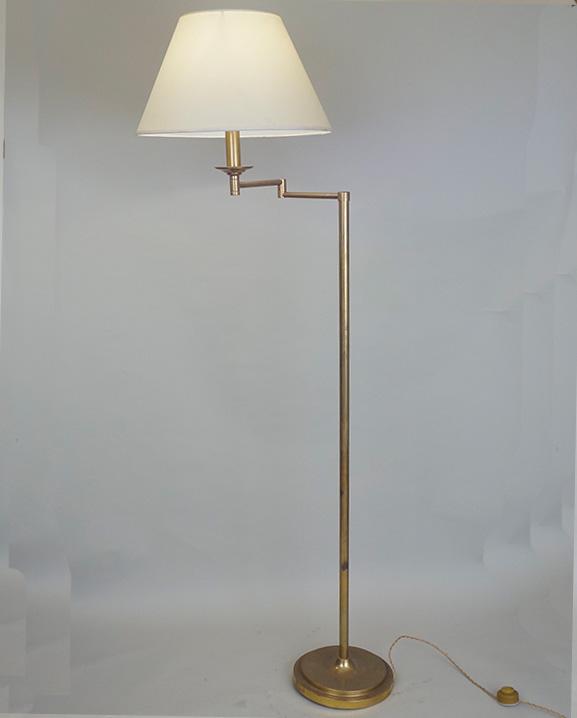 L 586 – Lampadaire  Haut : 152 cm / 60 in.