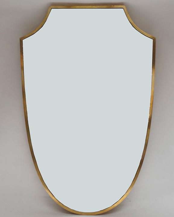 M 273 – Miroir en laiton  Haut : 80 cm / 31.5 in.