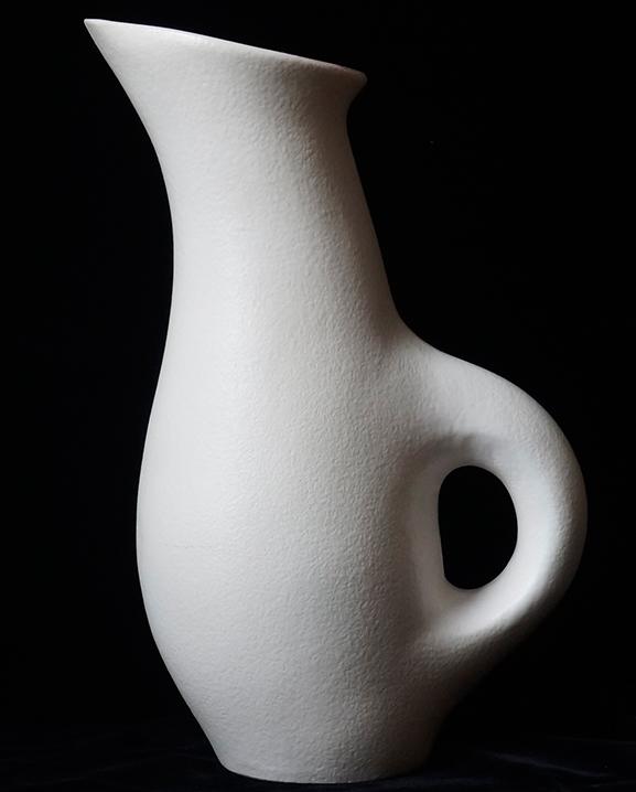 Ob 317 – Pichet blanc   Haut : 30 cm / 11.8 in.