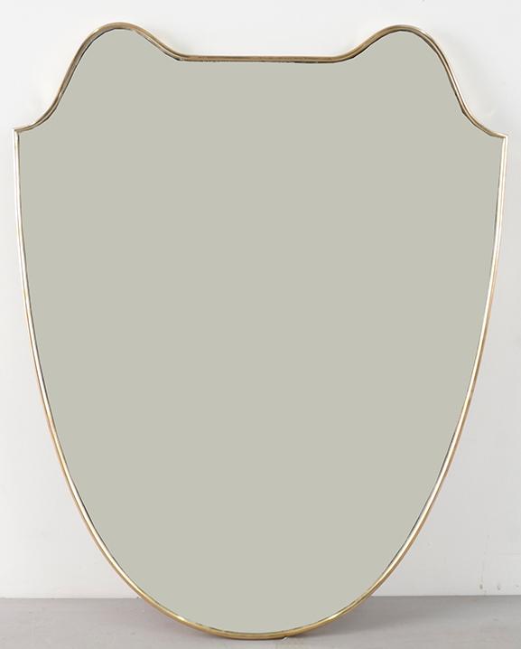 M 283 – Miroir en laiton   Haut : 72 cm / 28.3 in.