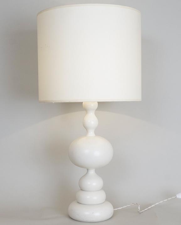 L 450 – Lampe en bois  Haut : 60 cm / 23,4 in.