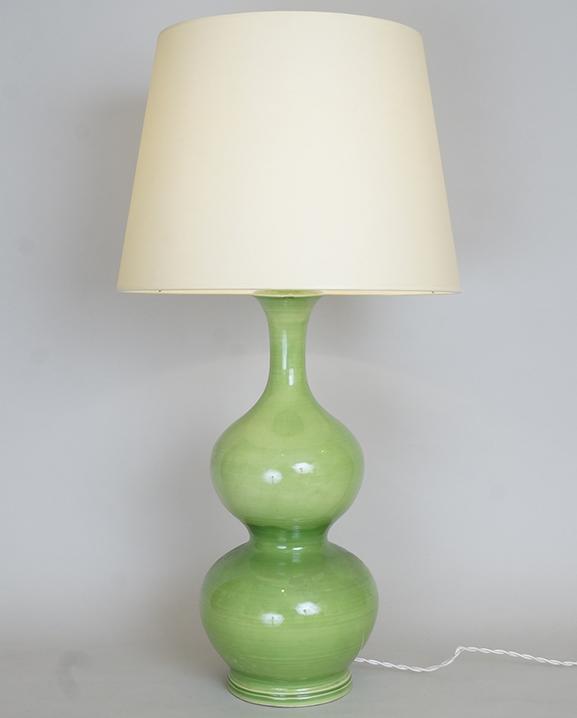 L 670 – Lampe céramique verte  Haut : 65 cm / 25,6 in