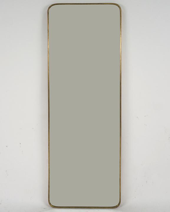 M 179 – Miroir en laiton   H : 118 cm  L : 40 cm