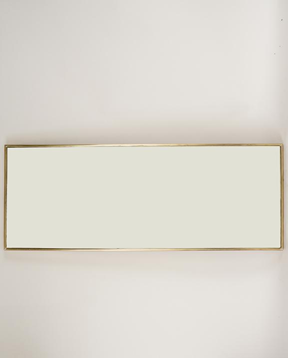 M 219 – Miroir en laiton   H : 81 cm  L : 31 cm