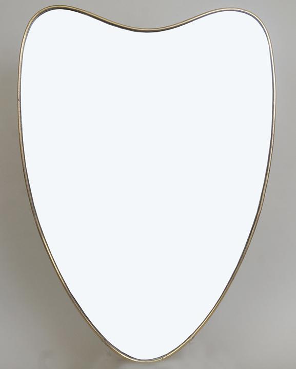 M 302 – Miroir en laiton   H : 74 cm L : 54 cm