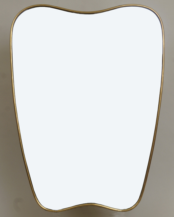 M 305 – Miroir en laiton   H : 60 cm L : 44 cm