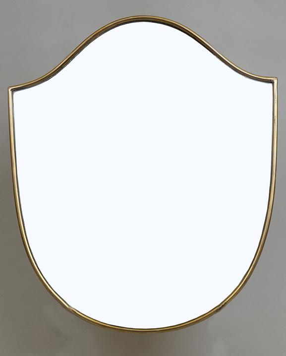 M 306 – Miroir en laiton   H : 39 cm L : 33 cm