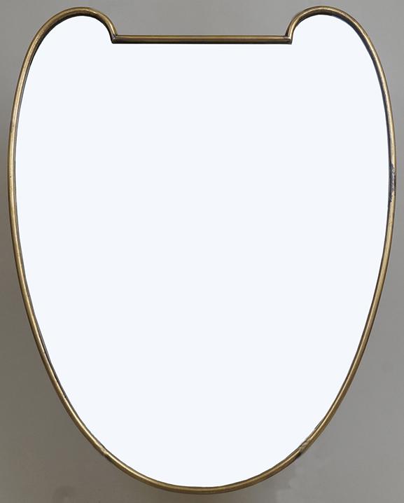 M 307 – Miroir en laiton   H : 46 cm L : 36 cm