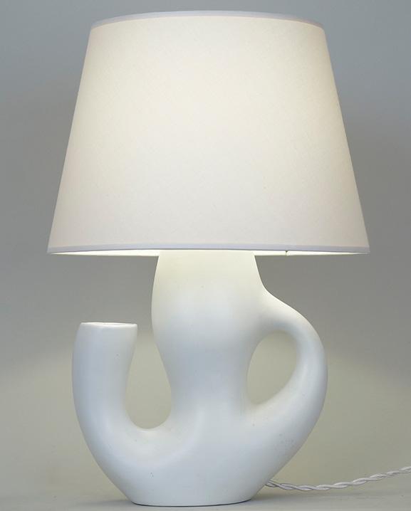 L 572 – Lampe céramique blanche Haut : 37 cm /  14,6 in.