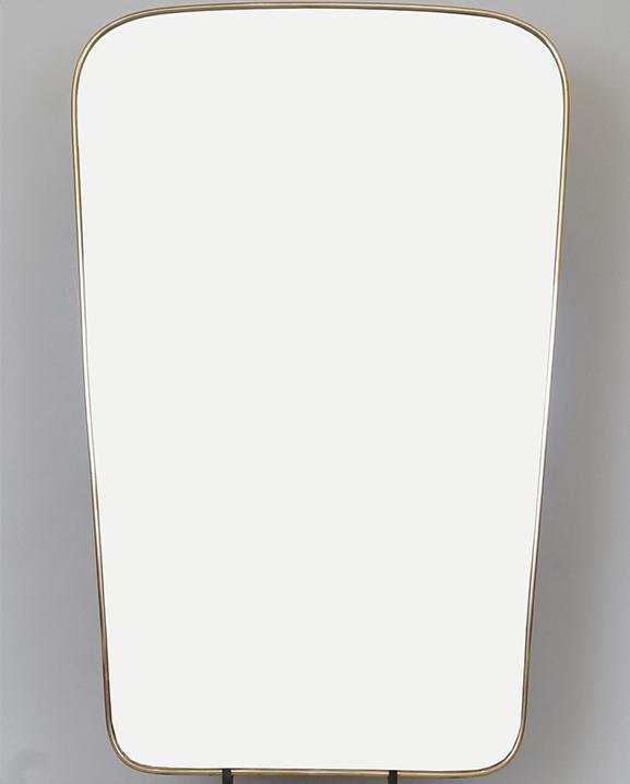 M 310 – Miroir en laiton   H : 89 cm L : 57,5 cm
