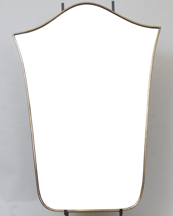 M 321 – Miroir en laiton   H : 74 cm L : 53 cm