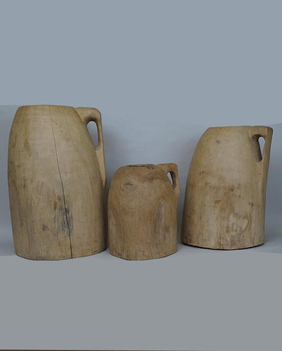 Ob 417 – Pichets bois  Haut : 56 cm -46 cm- 33 cm