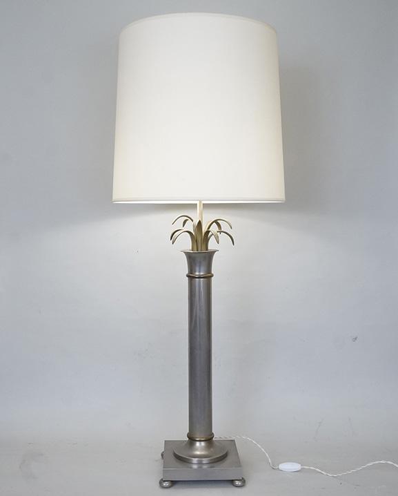 L 703 – Lampe en laiton Haut : 110 cm / 43,4 in.
