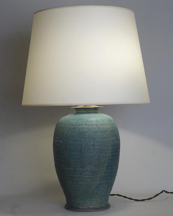 L 746 – Lampe céramique verte Haut : 62 cm /  24,4 in.