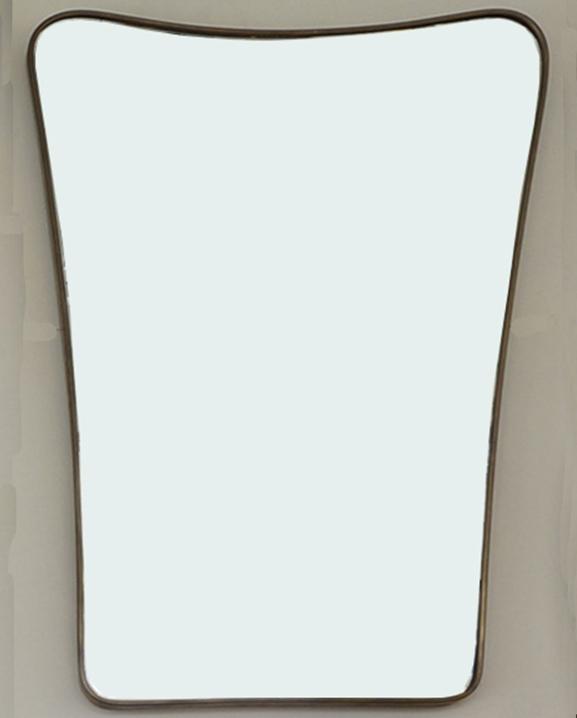 M 334 – Miroir en laiton   H : 86 cm L : 56 cm