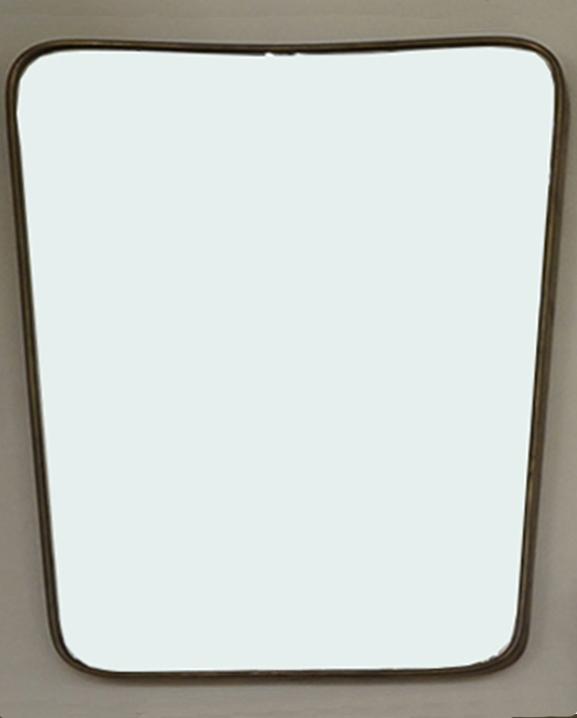 M 337 – Miroir en laiton   H : 58 cm L : 44 cm