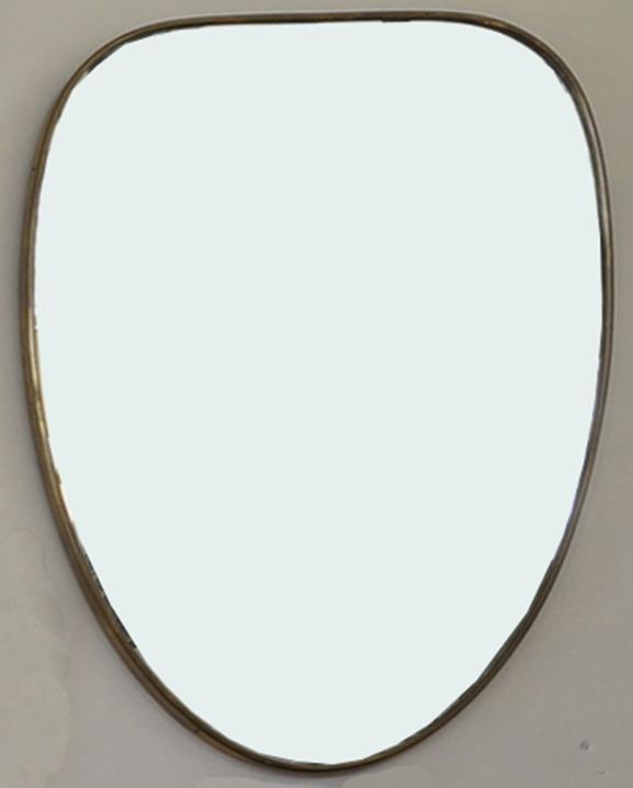 M 342 – Miroir en laiton   H : 73 cm L : 49 cm