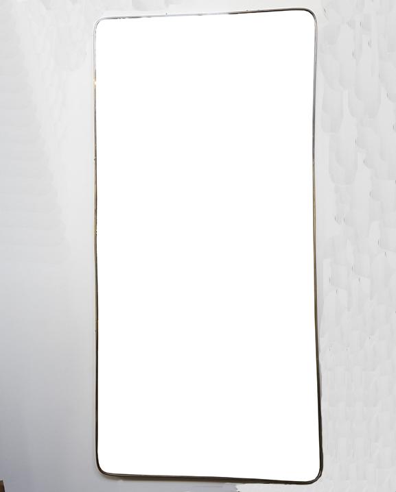 M 341 – Miroir en laiton   H : 160 cm L : 74 cm