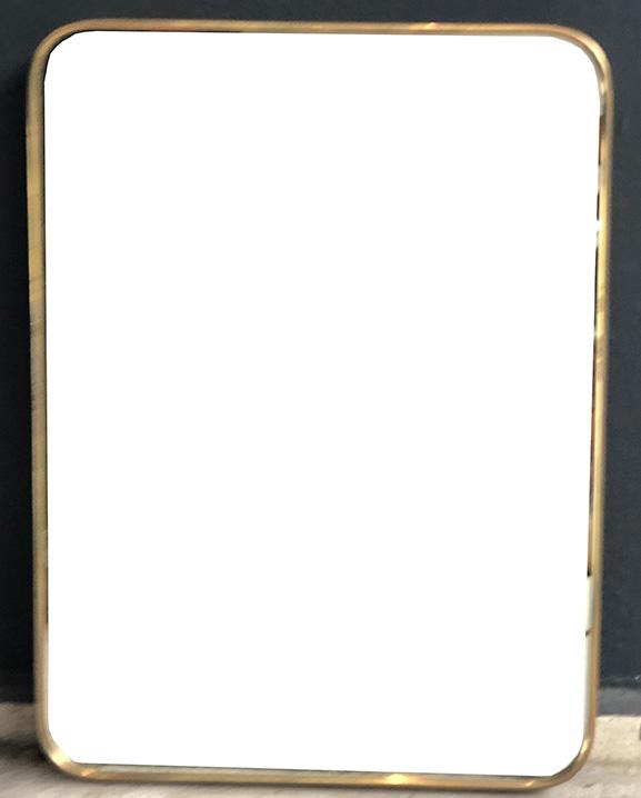 M 358 – Miroir en laiton   H : 71 cm L : 43 cm